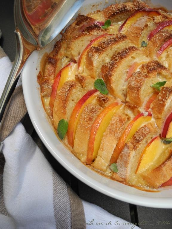 Gratin de pain perdu aux nectarines et crème d'amande