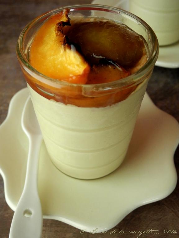 Panna Cotta au sucre et lait de coco, fruits d'été rôtis
