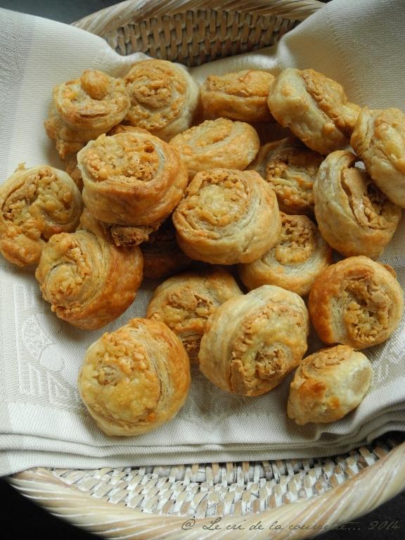Roulés apéritifs au fromage & purée de cacahuète