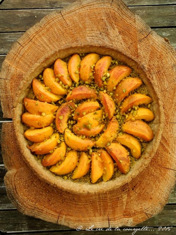 Tarte aux pêches et à la pâte à tarte sucrée au sarrasin