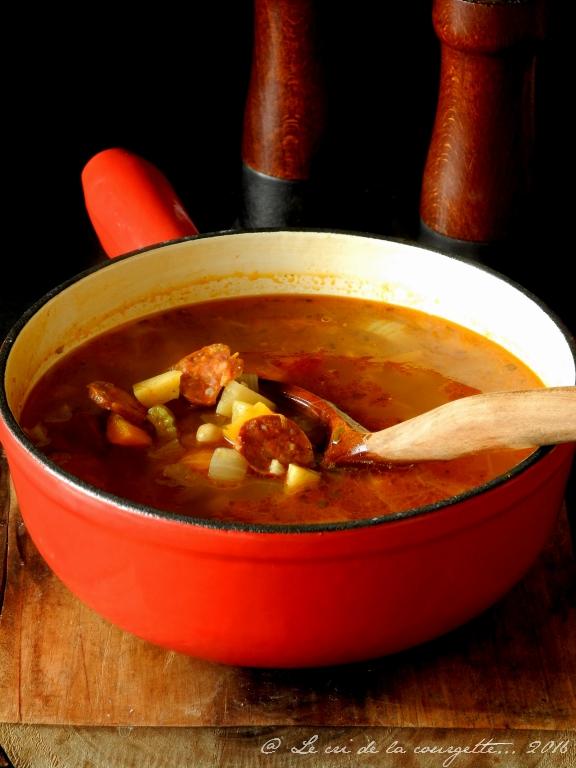 Soupe de légumes et pois chiches au chorizo
