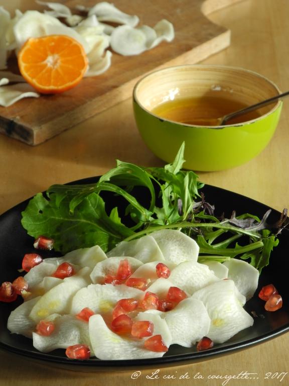 Salade de radis noir à la grenade et vinaigrette aux clémentines