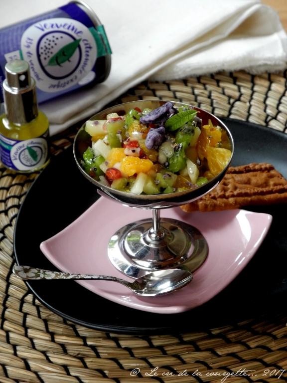 Tartare de fruits d'hiver à la verveine et à la violette
