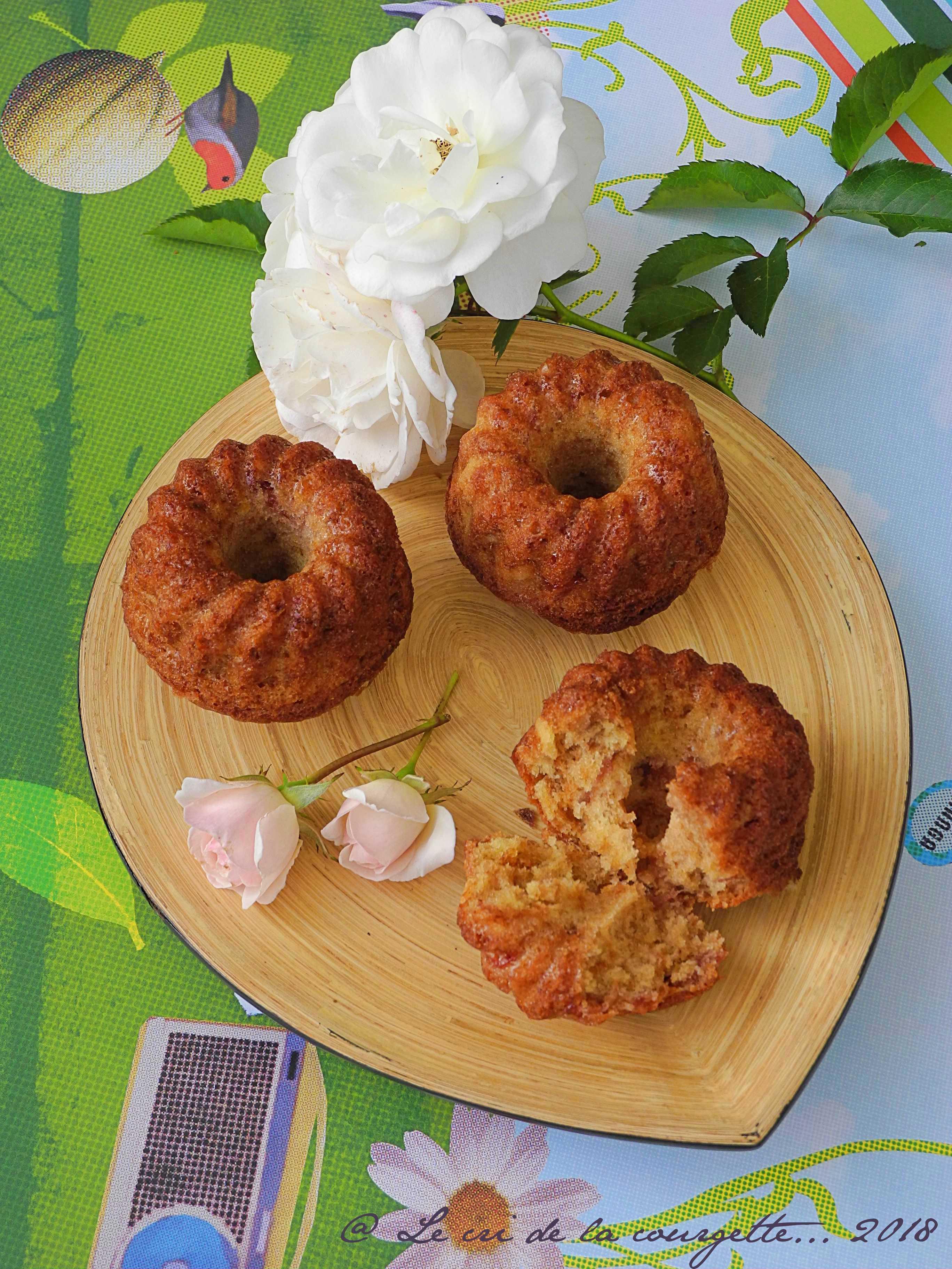 Cake à la confiture de fraise et à la fève tonka